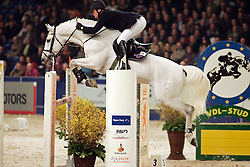 Geessink Gerald - Casco<br /> KWPN Hengstenkeuring 2006<br /> Photo © Hippo Foto