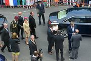 Koning en koningin bezoeken Nedersaksen. In het duitse Werlte krijgt het konuingspaar een rondleiding door het AUDI 3N Kompetenzzentrum<br /> <br /> King and Queen visit Niedersachsen. In the German Werlte the royal couple get a tour of the AUDI 3N Kompetenzzentrum<br /> <br /> Op de foto / On the photo: <br />  Aankomst / Arrival
