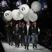 NLD/Amsterdam/20080123 - Modeshow Bleu Blood tijdens de Amsterdam Fashionweek 2008, modellen op de catwalk