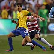 Oscar, Brazil, in action during the USA V Brazil International friendly soccer match at FedEx Field, Washington DC, USA. 30th May 2012. Photo Tim Clayton