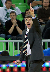 Head coach of Efes Velimir Perasovic during basketball match between KK Union Olimpija (SLO) and Efes Pilsen (Tur) in Group D of Turkish Airlines Euroleague, on October 20, 2010 in SRC Stozice, Ljubljana, Slovenia. Union Olimpija defeated Efes Pilsen after 2 overtimes 95 - 90. (Photo By Vid Ponikvar / Sportida.com)