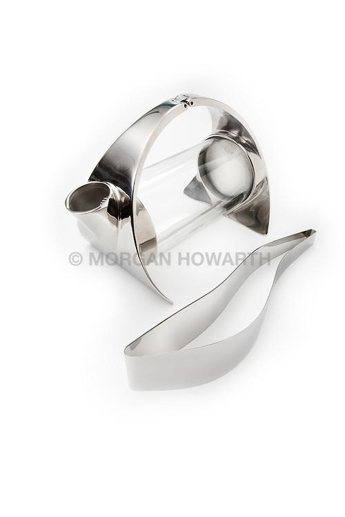 modern silver tea pot