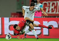 Fotball<br /> EM-kvalifisering<br /> Østerrike v Tyskland<br /> 03.06.2011<br /> Foto: Witters/Digitalsport<br /> NORWAY ONLY<br /> <br /> v.l. Paul Scharner, Mesut Oezil (Deutschland)<br /> EM-Qualifikation, Oesterreich - Deutschland