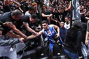 Marco Spissu, Virtus Segafredo Bologna tifosi<br /> Virtus Segafredo Bologna - Banco di Sardegna Dinamo Sassari<br /> Lega Basket Serie A 2017/2018<br /> Bologna, 22/10/2017<br /> Foto M.Ceretti / Ciamillo - Castoria