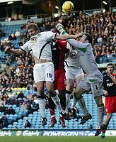 Photo: Paul Thomas.<br /> Leeds United v Southampton. Coca Cola Championship. 18/11/2006.<br /> <br /> Matt Heath (19) of Leeds can't get to the ball before Southhampton keeper Kelvin Davis (1).