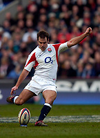 Photo: Richard Lane.<br />England v Wales. RBS Six Nations. 04/02/2006.<br />England's Charlie Hodgson kicks.