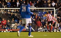 Fotball<br /> Caling Cup England 2004/2005<br /> Andre runde<br /> 21.09.2004<br /> Foto: SBI/Digitalsport<br /> NORWAY ONLY<br /> <br /> Birmingham City v Lincoln City<br /> <br /> Lincoln's keeper Alan Marriott (L) is beaten by a shot from Birmingham's Jesper Grønkjær (R, obscured).