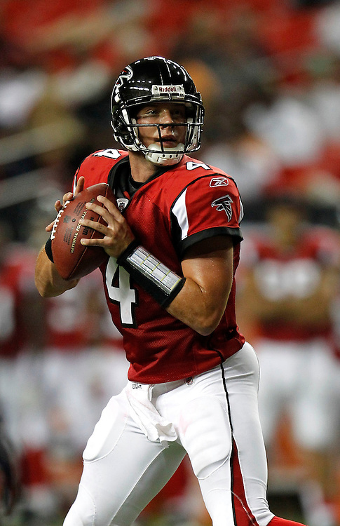 ATLANTA - AUGUST 19:  Quarterback John Parker Wilson #4 of the Atlanta Falcons drops back to pass during the preseason game against the New England Patriots at the Georgia Dome on August 19, 2010 in Atlanta, Georgia.  The Patriots beat the Falcons 28-10.  (Photo by Mike Zarrilli/Getty Images)
