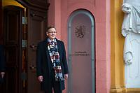 DEU, Deutschland, Germany, Erfurt, 05.12.2014:<br /> Der Fraktionsvorsitzende der Partei DIE LINKE in Thueringen, Bodo Ramelow, am Tag seiner Wahl zum Ministerpraesidenten von Thueringen am Eingang zur Staatskanzlei.