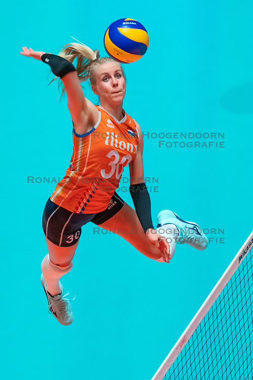 29-05-2019 NED: Volleyball Nations League Netherlands - Bulgaria, Apeldoorn<br /> Anniek Siebring #30 of Netherlands