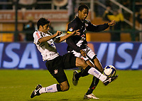 20090603: RIO DE JANEIRO, BRAZIL - Corinthians vs Santos FC – Semi Finals: Brazilian Cup 2009. In picture: Willian (Corinthians) and Edgar (Vasco). PHOTO: CITYFILES