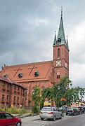 Kościerzyna (woj. pomorskie), 2015-07-13. XIX-wieczny kościół Zmartwychwstania Pańskiego w Kościerzynie