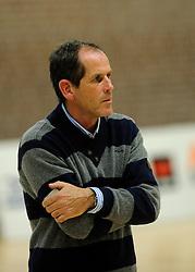 27-10-2012 VOLLEYBAL: VV ALTERNO - E DIFFERENCE SSS: APELDOORN<br /> Eerste divisie A mannen - Alterno wint met 4-0 van SSS / Trainer-coach Paul ten Broeke<br /> ©2012-FotoHoogendoorn.nl