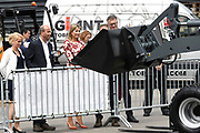 Koningin Maxima tijdens een werkbezoek aan TOBROCO Machines in Oisterwijk. De fabrikant van machines is winnaar van de Koning Willem I Prijs 2016 in de categorie midden- en kleinbedrijf.<br /> <br /> Queen Maxima during a work visit to TOBROCO Machines in Oisterwijk. The machine manufacturer is the winner of the Koning Willem I Price 2016 in the small and medium-sized category.