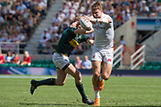 Twickenham, United Kingdom. 3rd June 2018, HSBC London Sevens Series. Game 38 Cup Semi Final. South Africa vs England. <br /> <br /> Englands, Harry GLOVER, with a good grip on the ball, during the Rugby 7's, match played at the  RFU Stadium, Twickenham, England, <br /> <br /> <br /> <br /> © Peter SPURRIER/Alamy Live News