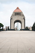 Monumento Lo Res