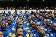 Politiemensen in opleiding krijgen instructies voor de start van het WK 2010 in Zuid Afrika.