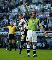 Fotball<br /> England 2005/2006<br /> Foto: SBI/Digitalsport<br /> NORWAY ONLY<br /> <br /> Newcastle United v Deportivo La Coruna<br /> Intertoto Cup.<br /> 03/08/2005.<br /> Newcastle celebrates James Milner's goal (#16).