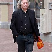 NLD/Amsterdam/20110722 - Afscheidsdienst voor John Kraaijkamp, Bob Rooyens