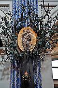 Święta Lipka, 2009-08-13. Sanktuarium Maryjne - Bazylika pw. Nawiedzenia NM Panny w Świętej Lipce, rzeźba Matki Bożej