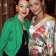 NLD/Amsterdam/20080315 - Modeshow Mart Visser 2008, Froukje de Both en zus Elsa