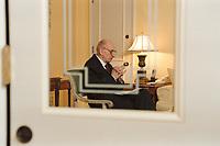 20 JAN 2001, BERLIN/GERMANY:<br /> Wladyslaw Bartoszewski, Aussenminister Polen, waehrend einem Interview, Hotel Four Seasons<br /> Wladyslaw Bartoszewski, Minister for Foreign Affairs of Poland, during an Interview<br /> IMAGE: 20010120-01/01-21<br /> KEYWORDS: Außenminister