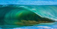 Hawaiian shorebreak wave