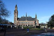 Hare Majesteit Koningin Máxima woont dinsdagochtend 21 maart in het Vredespaleis in Den Haag de opening bij van de derde editie bij van de 'Impact Summit Europe 2017' die op 21 en 22 maart wordt gehouden.  De internationale bijeenkomst richt zich op 'impact investing', een investeringsvorm waarbij naast het financieel rendement ook naar de positieve maatschappelijke effecten wordt gekeken. <br /> <br /> Her Majesty Queen Máxima live Tuesday morning, March 21 at the Peace Palace in The Hague at the opening of the third edition in the 'Impact Summit Europe 2017' to be held on 21 and 22 March. The international meeting focuses on 'impact investing', a form of investment which also looks at the positive social impacts in addition to financial returns. <br /> Op de foto / On the photo: Vredespaleis / Peace Palace