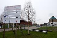 Nieuwe Onderzoekslocatie Afvalwaterzuivering naast de rioolwaterzuiveringsinstallatie (rwzi) in Leeuwarden. Wetterskip Fryslân, Wetsus en het Samenwerkingverband Noord-Nederland zijn betrokken bij het onderzoek naar innovatieve en duurzame zuiveringstechnieken voor huishoudelijk afvalwater. Het project wordt mede gefinancierd door het Europees Fonds voor Regionale Ontwikkeling en door het Ministerie van Economische Zaken, Pieken in de Delta.
