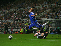 Photo: Andrew Unwin.<br /> Newcastle United v Chelsea. Carling Cup. 20/12/2006.<br /> Chelsea's Arjen Robben (C) wins a free-kick.