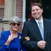 NLD/Amsteram/20121024- Presentatie biografie Joop van den Ende, Anneke Gronloh en manager