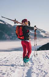 THEMENBILD - eine Skitournengeherin, aufgenommen am 22. Januar 2020 in Kaprun, Oesterreich // a ski tourer on her ascent in Kaprun, Austria on 2020/01/22. EXPA Pictures © 2020, PhotoCredit: EXPA/ JFK