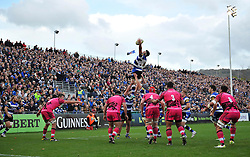 Guy Mercer of Bath Rugby wins the ball at a lineout - Photo mandatory by-line: Patrick Khachfe/JMP - Mobile: 07966 386802 01/11/2014 - SPORT - RUGBY UNION - Bath - The Recreation Ground - Bath Rugby v London Welsh - LV= Cup