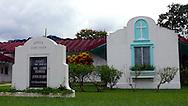 La iglesia de unión de Gamboa fue ordenada cerca de 1940 y el edificio contructed en 1951. Está situado en Gamboa, una ciudad construida en los años 30 como el hogar de la división de dragado del Canal de Panamá/ Gamboa Union Church was organized about 1940 and the building was contructed in 1951. It is located in Gamboa, a town built in the 1930's as the home of the dredging division of the Panama Canal. It is 17 miles inland from the Pacific Ocean right next to the Canal.