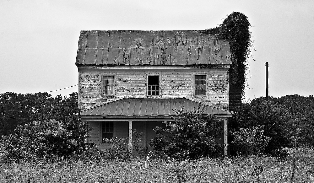 This old abandoned farm house can be found on the back roads between the Chesapeake bay and Sandbridge Beach.