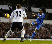 Photo: Ed Godden.<br /> Tottenham Hotspur v Chelsea. The Barclays Premiership. 05/11/2006. Chelsea's Claude Makalele (R) scores the opening goal.
