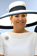 Koning en koningin bezoeken Nedersaksen. In het duitse Werlte krijgt het konuingspaar een rondleiding door het AUDI 3N Kompetenzzentrum<br /> <br /> King and Queen visit Niedersachsen. In the German Werlte the royal couple get a tour of the AUDI 3N Kompetenzzentrum<br /> <br /> Op de foto / On the photo: Koningin Maxima / Queen Maxima