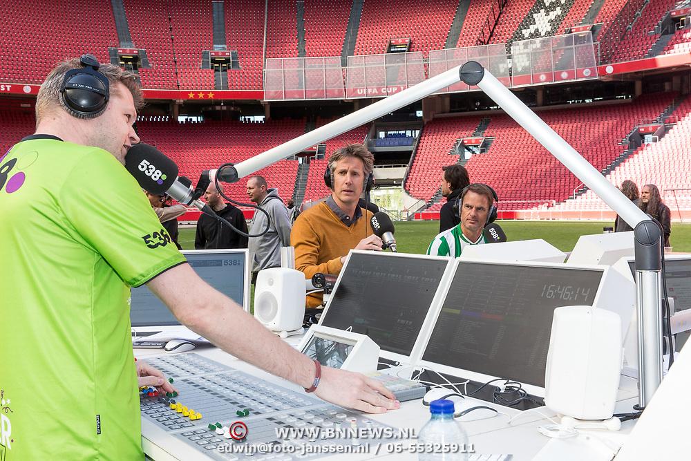 NLD/Amsterdam/20180503- Coen en Sander Live vanuit Johan Cruijff Arena, Sander Lantinga met Frank de Boer en Edwin van der Sar