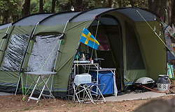 THEMENBILD - ein Eingangsbereich eines Campingzelt mit Schwedenfahne und Griller, aufgenommen am 28. Juni 2018 in Pula, Kroatien // a entrance area of a camping tent with Sweden flag and grill, Pula, Croatia on 2018/06/28. EXPA Pictures © 2018, PhotoCredit: EXPA/ Stefanie Oberhauser