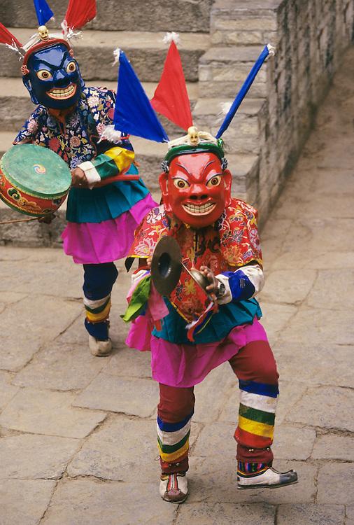 Asia, Nepal, Himalayas, Solu Khumbu region, masked dancers at Buddhist Mani-Rimdu festival at Tengboche Monastery, attended by Sherpas