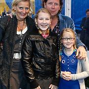NLD/Amsterdam/20101007 - Europesche premiere Cirque du Soleil Totem, Henkjan Smits, partner Petra Morselt en kinderen Floortje en Valerie