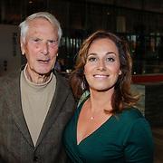 NLD/Hilversum/20121003- Boekpresentatie De Iconen van het NOS Achtuurjournaal, ???. en Margreet Spijker