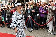 Koningin Beatrix opent in aanwezigheid van Prins Willem Alexander en Prinses Maxima het vernieuwde gebouw van de Raad van State in Den Haag .<br /> <br /> Queen Beatrix opens in the presence of Prince Willem Alexander and Princess Maxima to the new building of the State Council in The Hague.<br /> <br /> Op de foto / On the photo: Queen Beatrix