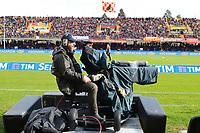 Cameraman e telecamera. Tv Camera <br /> Benevento 03-12-2017  Stadio Ciro Vigorito<br /> Football Campionato Serie A 2017/2018. <br /> Benevento - Milan<br /> Foto Cesare Purini / Insidefoto