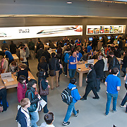 People in Apple Store on 5th ave in Manhattan