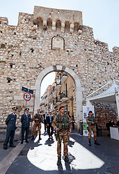 27.05.2017, Taormina, ITA, 43. G7 Gipfel in Taormina, im Bild Sicherheitsskräfte vor der historische Altstadt // Security forces in front of the historic old town during the 43rd G7 summit in Taormina, Italy on 2017/05/27. EXPA Pictures © 2017, PhotoCredit: EXPA/ Johann Groder