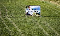 08.11.2016, Wörgel, AUT, Wiederholung des zweiten Wahlgang der Präsidentschaftswahl 2016, Wahlplakate, im Bild Wahlplakat des Gruenen- Praesidentschaftskandidat Alexander Van der Bellen // election poster of candidate for Presidential Elections Alexander Van der Bellen of Austrian green party according to austrian Repetition of the second election of the 2016 presidential election, the election will be held on December 4, 2016. Woergel Austria on 2016/11/08. EXPA Pictures © 2016, PhotoCredit: EXPA/ Johann Groder