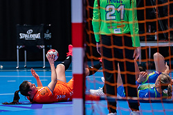 Martine Smeets of Netherlands and Barbara Lazovic of Slovenia during the Women's friendly match between Netherlands and Slovenia at De Maaspoort on march 19, 2021 in Den Bosch, Netherlands (Photo by RHF Agency/Ronald Hoogendoorn)