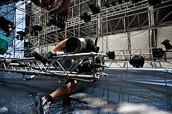 Melpignano LE, 25 agosto 2011<br /> NOTTE DELLA TARANTA 2011: allestimento palco per il concertone finale a Melpignano