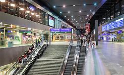 THEMENBILD - Innenansicht des Hauptbahnhofs Wien bei Nacht, aufgenommen am 03. Juli 2017, Wien, Österreich // Interior view of the central station Vienna by night, Vienna, Austria on 2017/07/03. EXPA Pictures © 2017, PhotoCredit: EXPA/ JFK